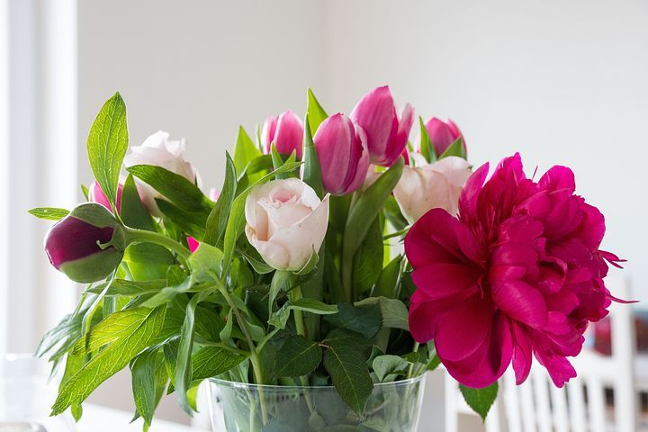 Send flowers to Mumbai, Online florist in Mumbai, all services are available in our company if you have any need for online shopping than contact us.