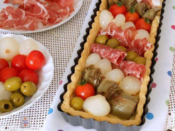 Torta antipasto italiano, un modo diverso di presentare il classico antipasto all'italiana fatto di salumi, verdure sott'olio, formaggi e sottaceti