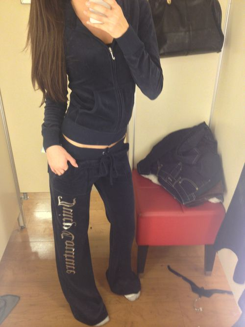 Juicy sweatsuit! <3 want to buy it ! I love this to.... Still to work out how to work this side...x