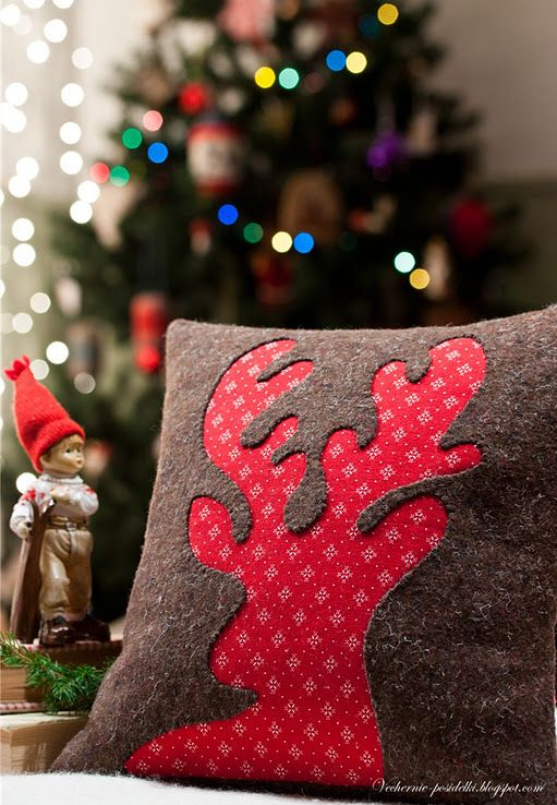 reverse applique reindeer pillow {do same thing but with pine tree, cross, pumpkin, heart for various holiday's}