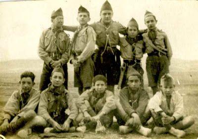 Exploradores de Murcia, foto del año 1926. FotoantiguosscoutsdeMurciadedicadaaCliment1926.jpg (400×282)