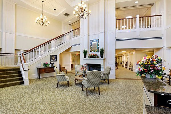 Northwest Hills An Assisted Living And Memory Care Facility Welcomes Residents And Guests Through A Large P Assisted Living Private Dining Room Senior Living