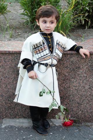 Свадебный кавказкий костюм