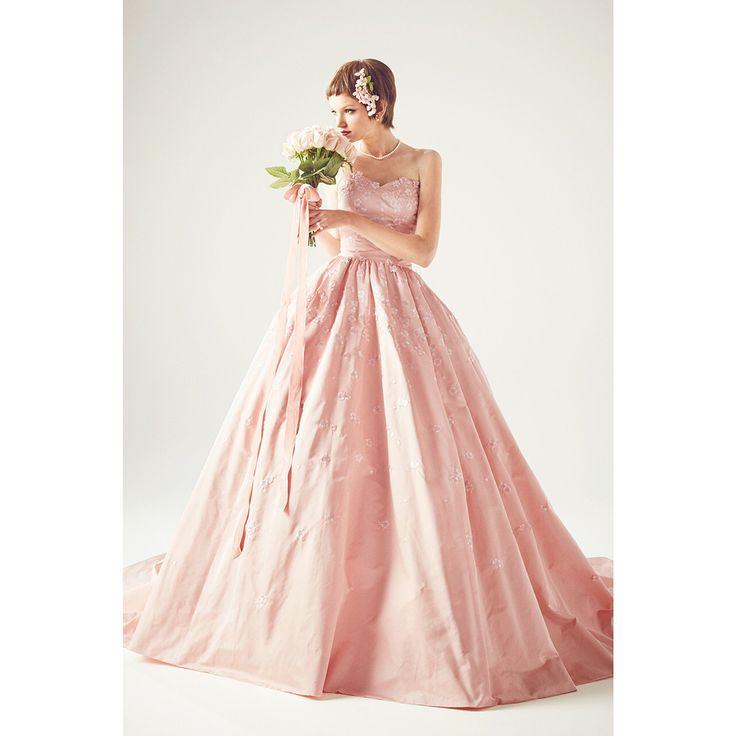 . . ✨✨✨💐👰🏼✨✨✨ @keitamaruyama_wedding  www.keitamaruyama.com/wedding/ ✨✨✨💍💎✨✨✨ . 冨沢ノボルがヘアメイクを手がけています🔔🔔🔔 . _____________________________________________________ 「人生の中で、一番HAPPYで美しく輝く時間」 そんな佳き日のお手伝いができればというコンセプトで、 特別な一着を作り出すケイタマルヤマのウェディング。 . マーメイドラインの気品あふれるデザインや、 ガーリーなカラードレス、光沢のある高級感漂うドレス、 花を散りばめた個性的なデザインのものなど、 スペシャルなデザインが沢山。 ______________________________________________________ . #noboruok #noborutomizawa #冨沢ノボル #hairmake #hairmakeup #hairmakeartist #hair #make #makeup #artist…