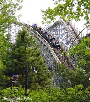 5 Tragic Reasons Why the World's Largest Theme Park Stands Abandoned in Ohio | © Geauga Lake Today.