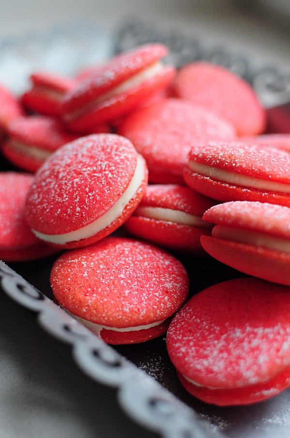 Red velvet whoopie pies | whoopie pies | Pinterest