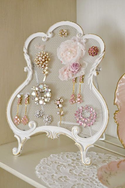 Love this idea. Been looking for a way to display some of Mom's jewelry.