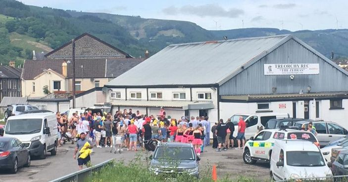 This is why people are carrying beer through the Valleys today http://www.walesonline.co.uk/news/wales-news/groups-people-fancy-dress-carrying-13104121?utm_content=buffer3209e&utm_medium=social&utm_source=pinterest.com&utm_campaign=buffer