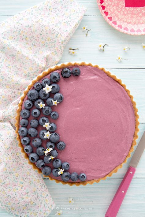 Crostata senza cottura e senza gelatina con mousse al succo di frutta di mirtilli. Recipe blueberries pie