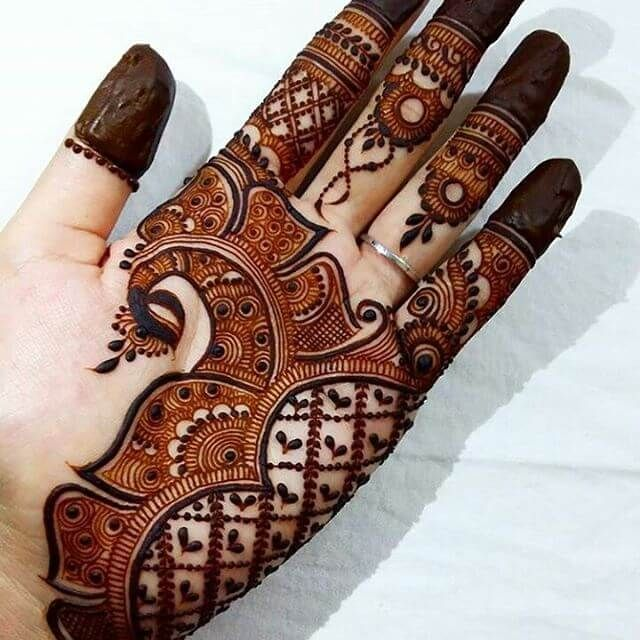Front Hand Arabic Mehndi Designs Latest