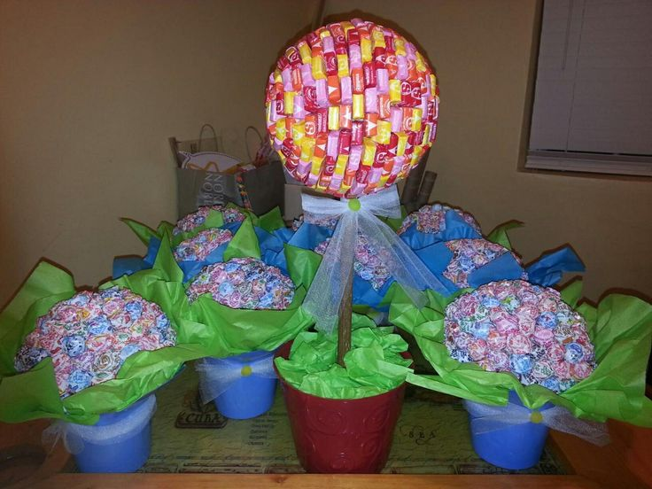 starburst topiary for my candy land themed baby shower topiary