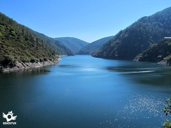 La Etapa 6 La Mesa-Grandas de Salime salva la profunda brecha del valle del río Navia que corta, como si de mantequilla se tratase, las montañas por las que discurre esta etapa que une La Mesa con Grandas de Salime.
