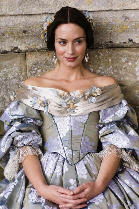 Emily Blunt in a Young Victoria from www.costumefilms.tublr.com