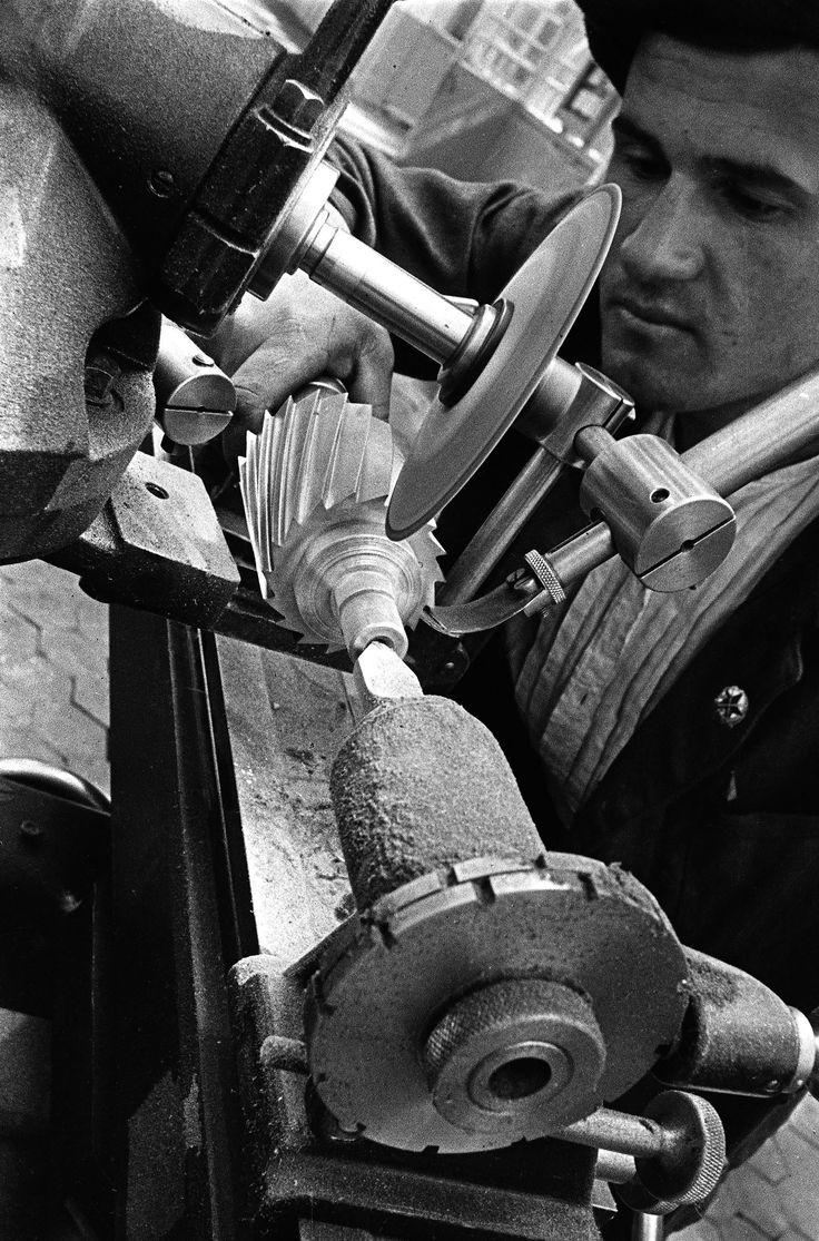 Shock worker, 1929. Frezer factory, Moscow.