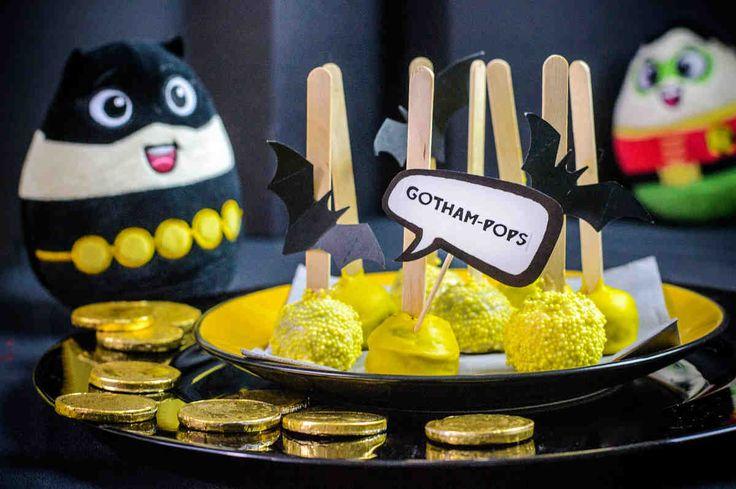 Gotham-pops.  #cakepops #bialaczekolada #deser #słodkości  #superbohater #party #smacznastrona #tesco #przepisy #tescoparty