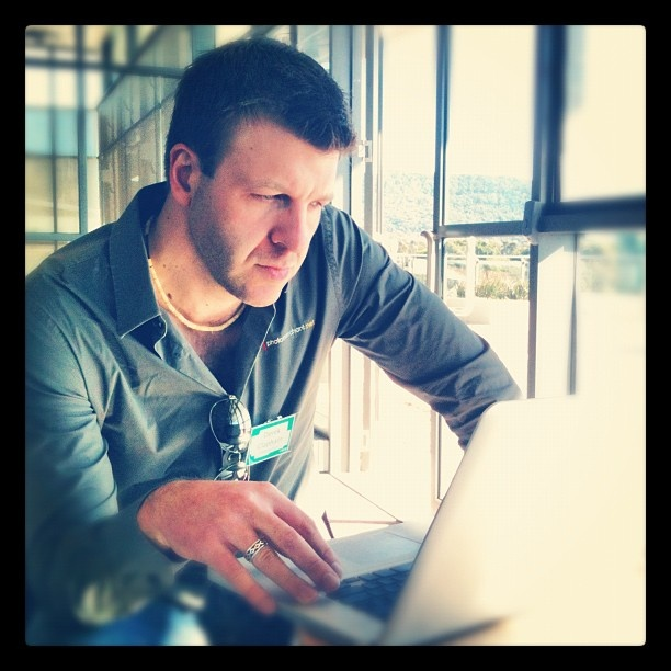 "@gabsiscoding's photo: ""@derekclapham fixing his slides before the presentation! #pmhq"""