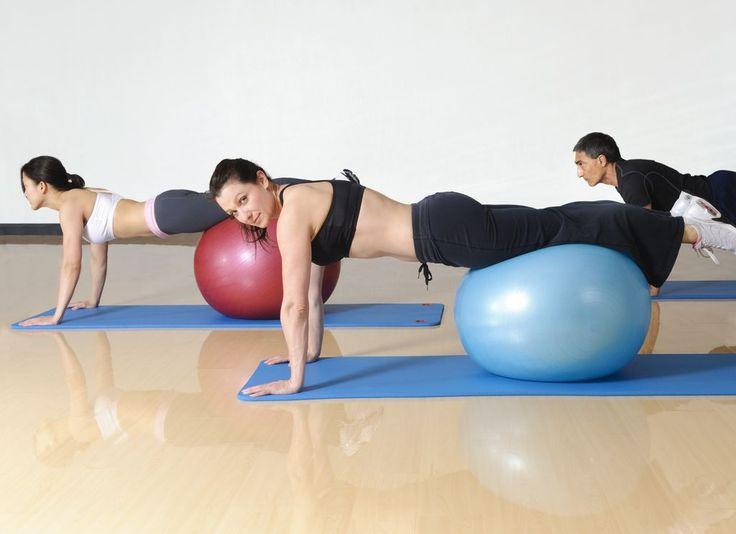 Pilates topu ile egzersiz - http://www.bayanlar.com.tr/pilates-topu-ile-egzersiz/