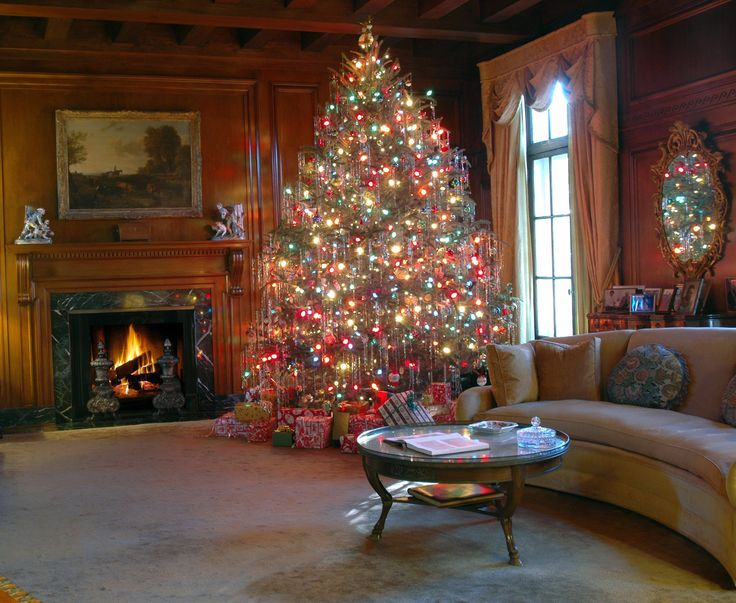 Celebrate Christmas at the Hills & Dales Estate in LaGrange, #Georgia!