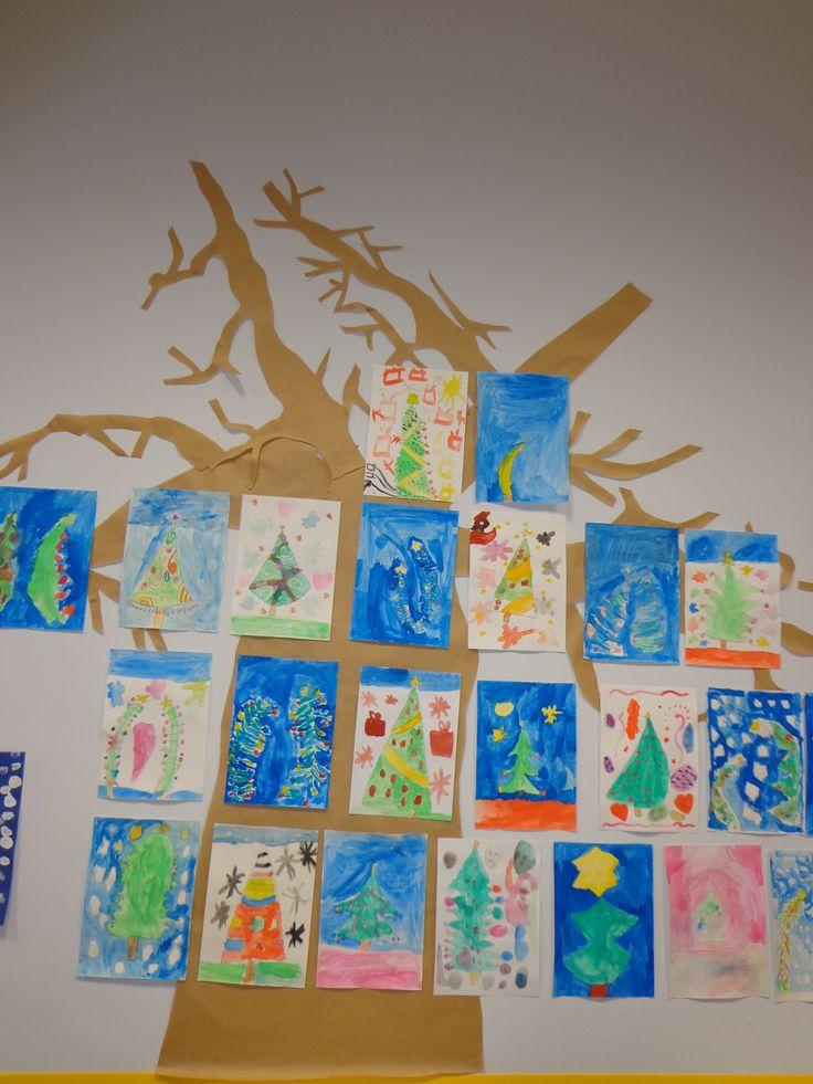 Vue d'ensemble de sapins de Noël en peinture