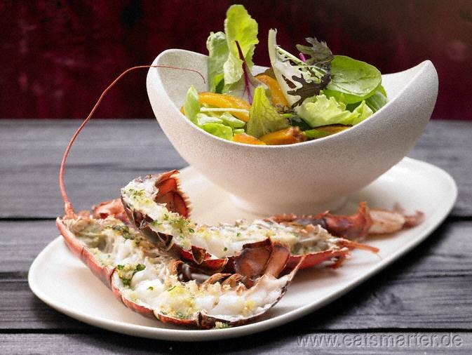 Gebackener Hummer - smarter - mit buntem Salat.   Kalorien: 509 Kcal   Zeit: 45 min.  #rezepte #recipes