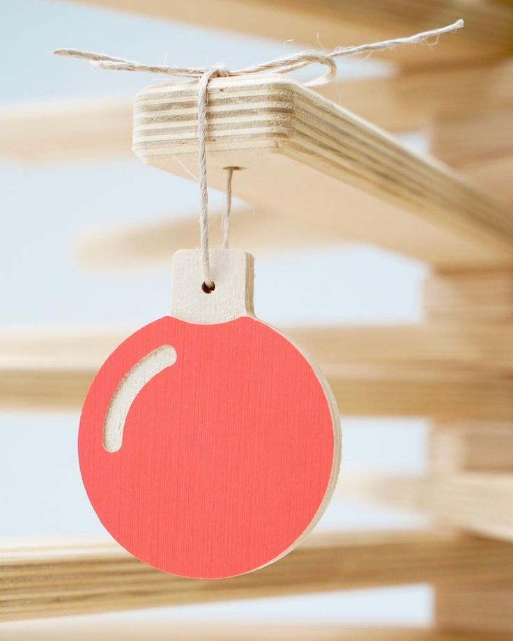 Our hanging baubles are part of our Christmas Collection and they are the kind of keepsake decorations that you will treasure and proudly bring out year after year ❤️