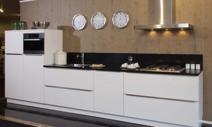Rechte moderne keuken google zoeken droomkeuken pinterest searching - Model keuken wit gelakt ...