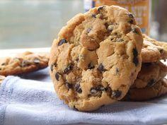 veloci e facilissimi con soli 3 ingredienti per i biscotti al burro di arachidi. cioccolato burro e ovviamente burro di arachidi.
