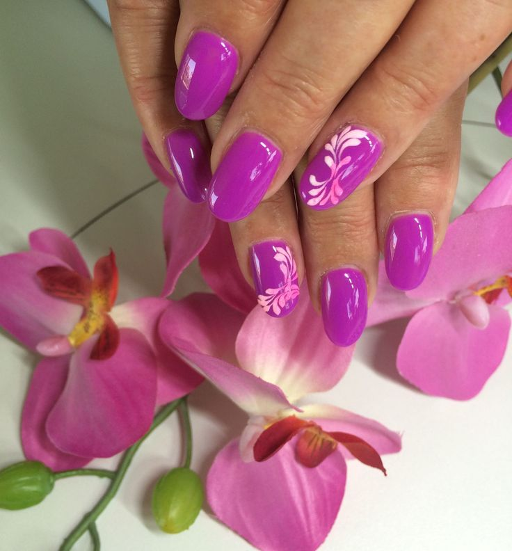So pretty on my nails now. Well Friday when I can get em done