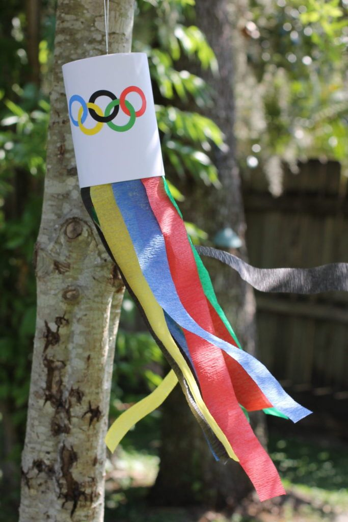 Olympic Wind Sock Craft handmadebykelly.com;onlinelabels.com