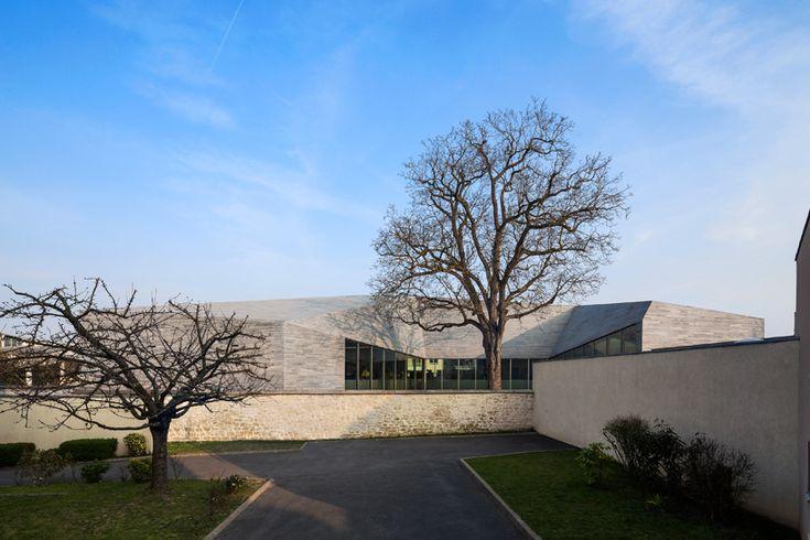 pascale guedot architecte mediatheque media library in bourg-la-reine france designboom
