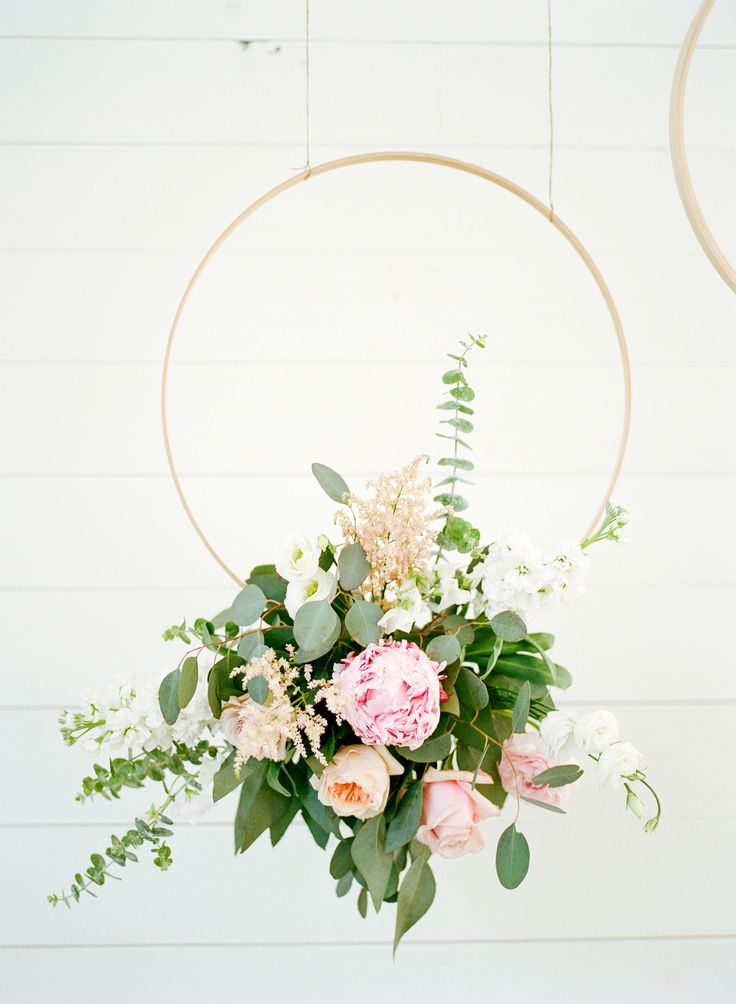 Gorgeous Minimalist + Modern Wedding Is Proof Less If More