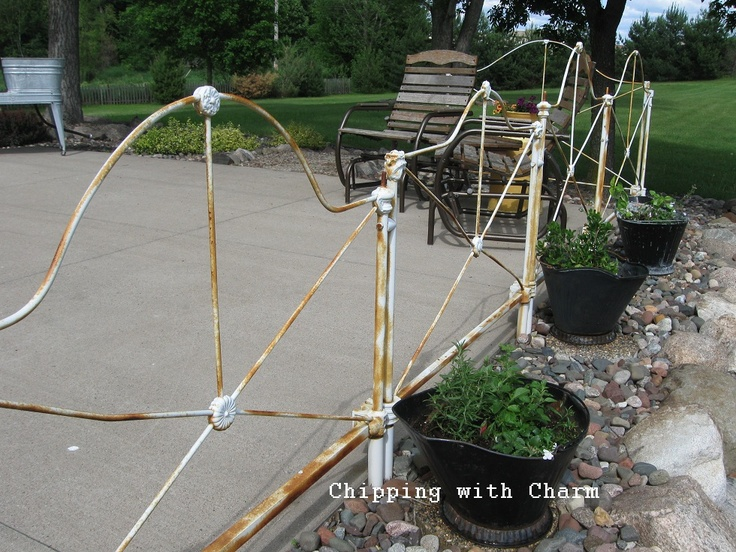Chipping with Charm: Vintage Headboard Patio Fence... www.chippinngwithcharm.blogspot.com