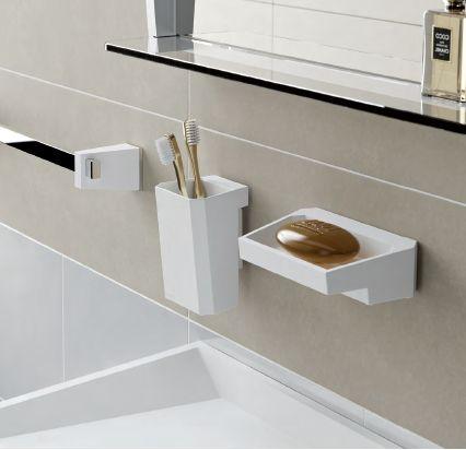 #Accesorios #Baño #Sonia uso de la resina y del cromo para los accesorios
