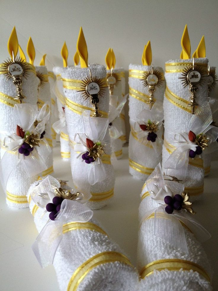vela-para-bautizo-primera-comunion-toalla-recuerdo-economico_MLM-F-3080815287_082012.jpg 900×1,200 píxeles