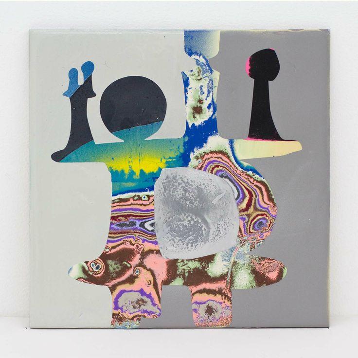 "Akiyoshi Mishima ""Not such issue, 017″, 2014 Lackspray, ceramic 20 x 20 x 1,5 cm"