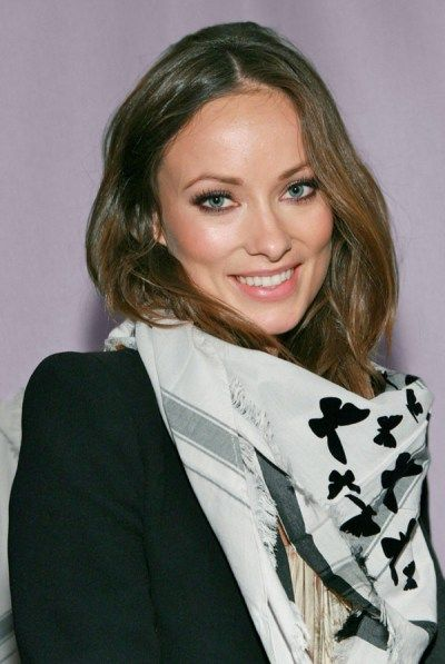 Olivia Wilde Scarf Style -- Celebrities Wearing Scarves
