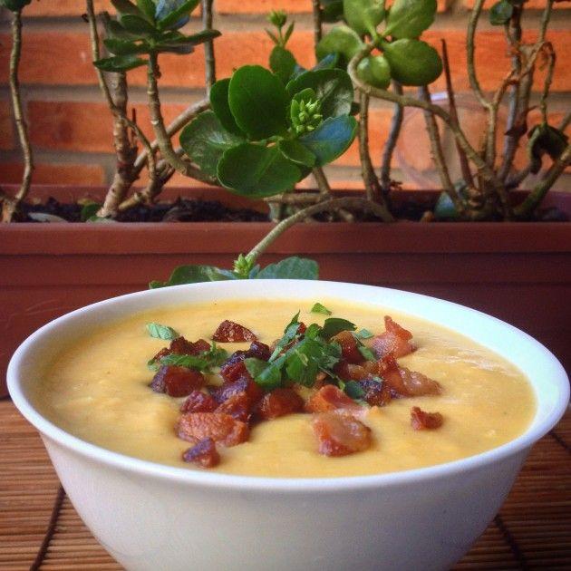 Frio combina com sopa rápida feita com ingredientes que (quase) sempre temos na geladeira