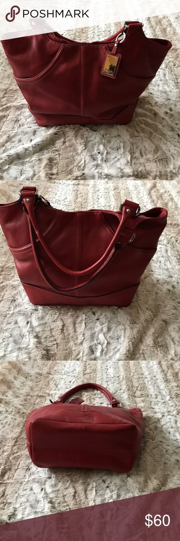 TIGNANELLO LEATHER HANDBAG Excellent Condition. No offline transactions or trades. Reasonable offers via offer option only Tignanello Bags