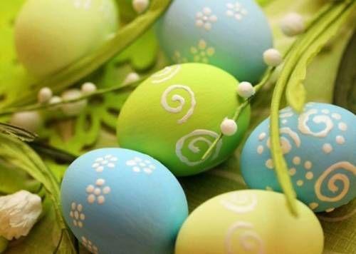 Как покрасить яйца на Пасху / Простые рецепты