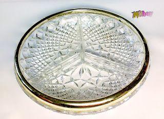 Erre Én is kíváncsi vagyok!: Ezüstözött peremezésű kristály süteményes kínáló.