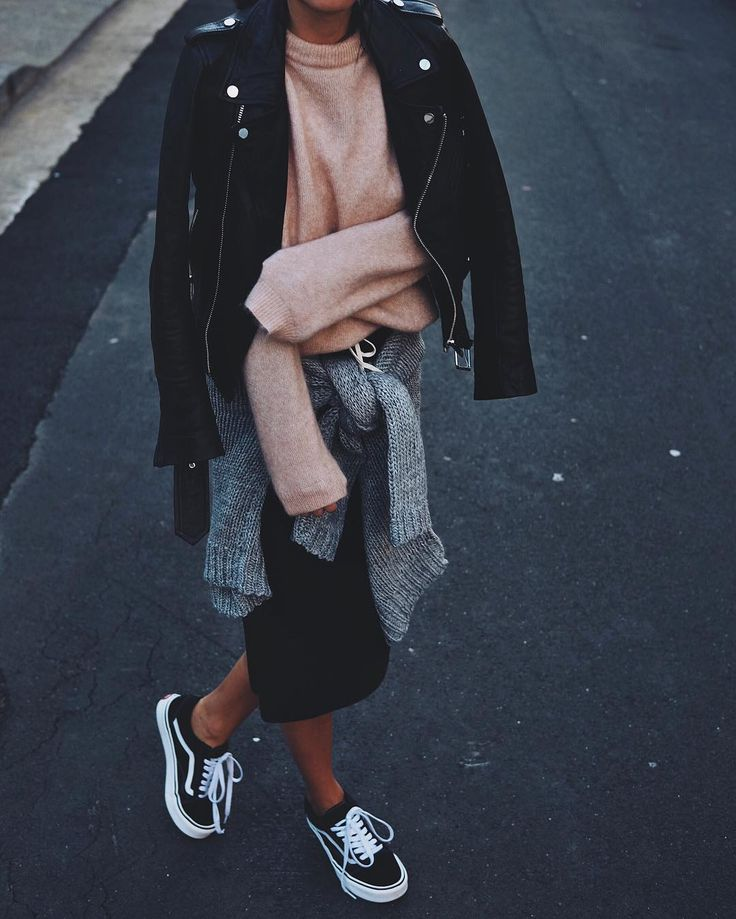 Pink Crew Neck Drop Shoulder Sweater >> BLack Faux Leather Belted Moto  Jacket With Zipper >> Grey Cardigan >>