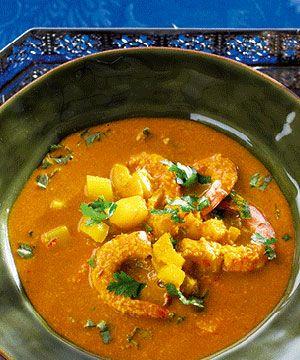 Sopa de caril com camarão.  A nossa receita de sopa de caril com camarão e manga é uma boa opção se quiser um prato aconchegante. É ideal como entrada mas pode ser também um prato principal leve.