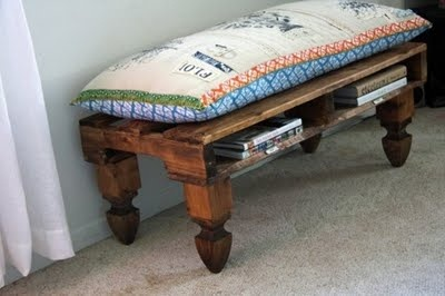 Pallet bench...cushion should be easy enough to makeIdeas, Pallets Benches, Pallets Furniture, Pallet Benches, Wood Pallets, Old Pallets, Diy, Pallets Projects, Crafts