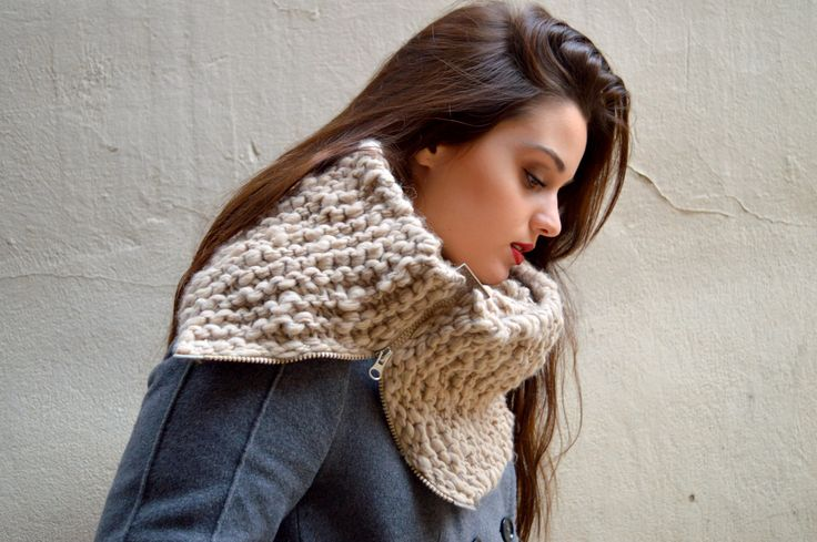 scarf with zipper