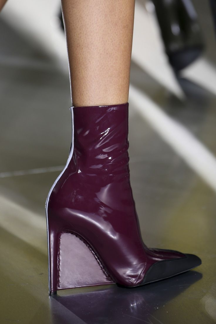 Balenciaga Autumn/Winter 2014 Ready-To-Wear Details | Pump ...