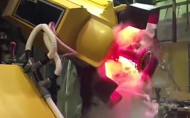 Video: Japan and America agree to put giant fighting robots into battle - Telegraph