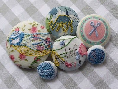 Embroidery Buttons on feelingstitchy.com