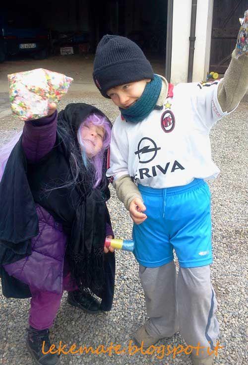 vestito strega e calciatore a costo zero