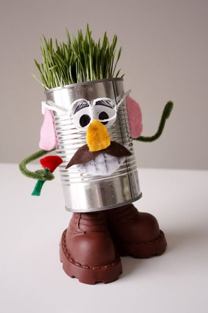 Mr and mrs recycle head cans is a fun craft project for Recycle project ideas