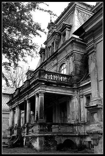 Forgotten Palace in Guzów  Photo AUW, Flicker